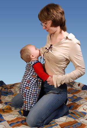 мать дала потрогать себя сыну фото